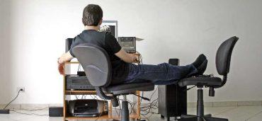 Salute e sicurezza informatica, ecco i rischi per chi lavora online